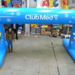Club Med inflatable arch with feet