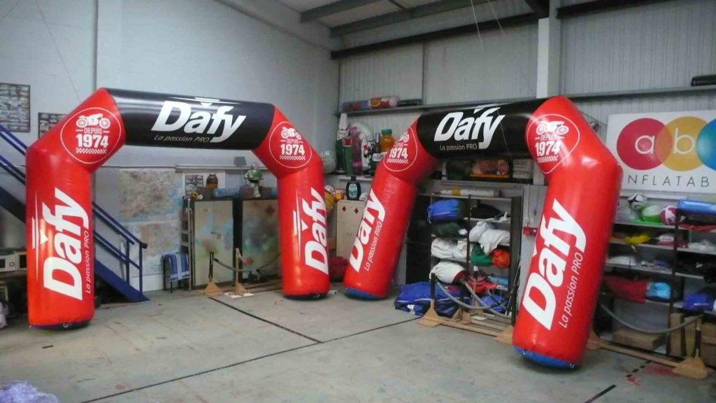Dafy Moto red and black giant inflatable arches