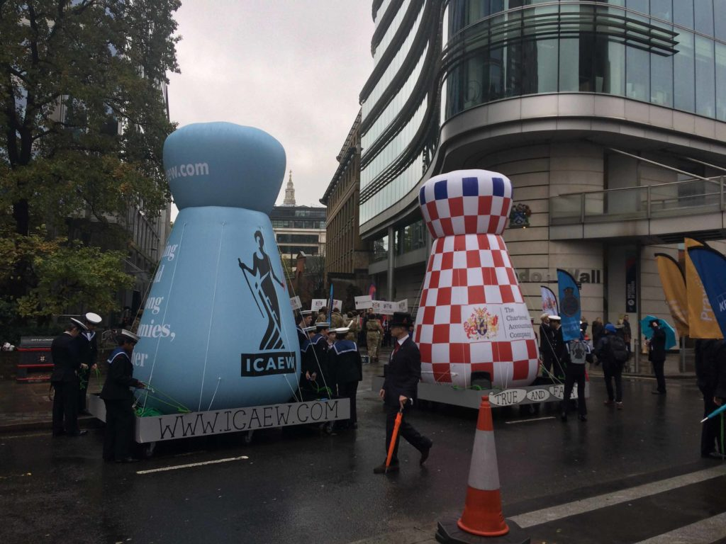 parade inflatables at lord mayor's show