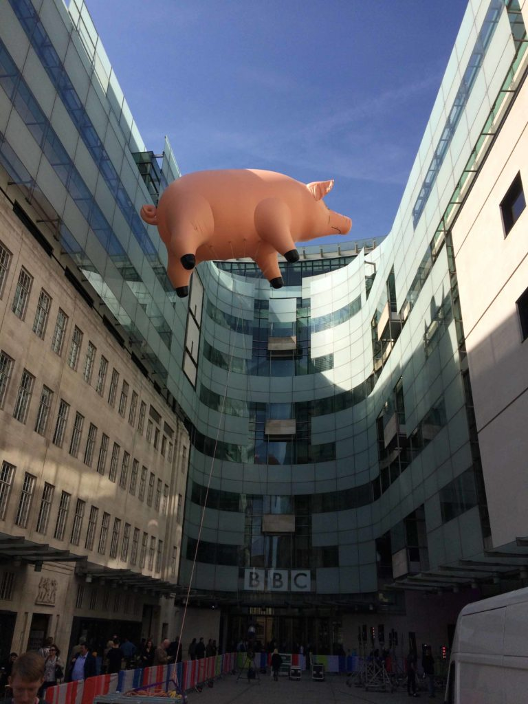 flying inflatable pig