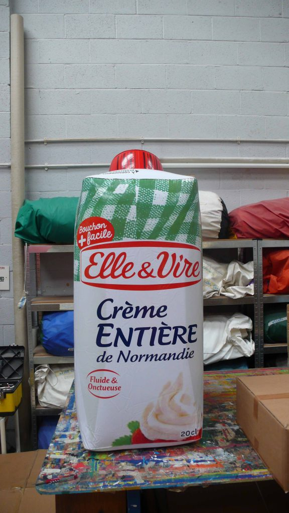 Inflatable carton for Elle and Vire